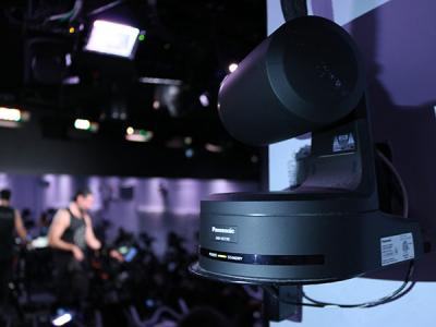Panasonic AW-HE130 robotic cameras controlled from a TriCaster 460 cover the studio action.
